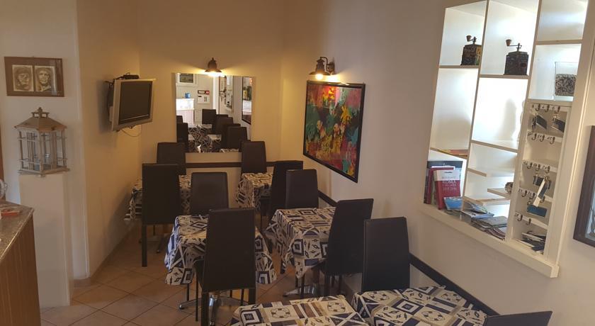 bar dell'hotel a Tor Caldara