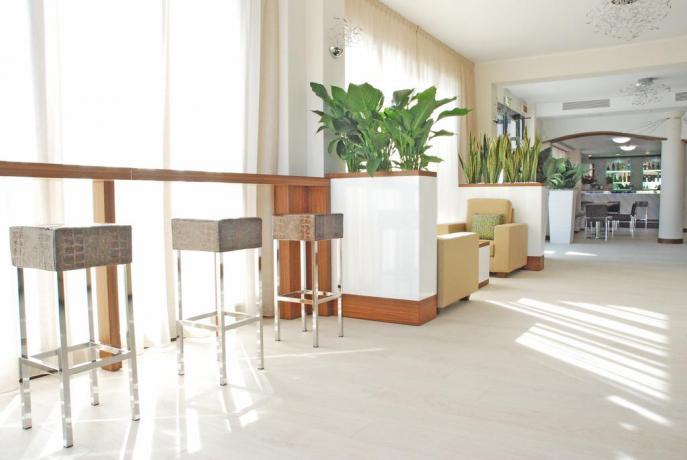 Hotel con Bar privato per gli ospiti MilanoMarittima