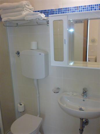 Bagno in appartamento albergo a Cervia
