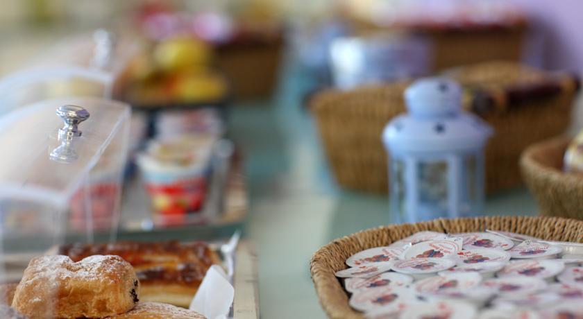 Colazione all´aperto o nella sala colazione