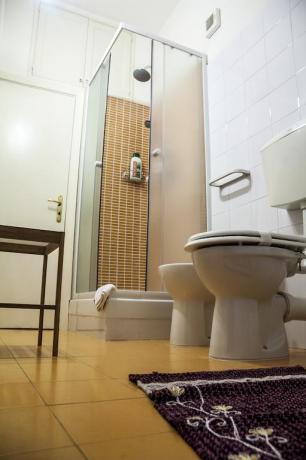 Bagno privato in camera B&B vicino Etna
