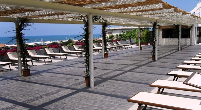 Appartamenti e Camere in Resort in Versilia