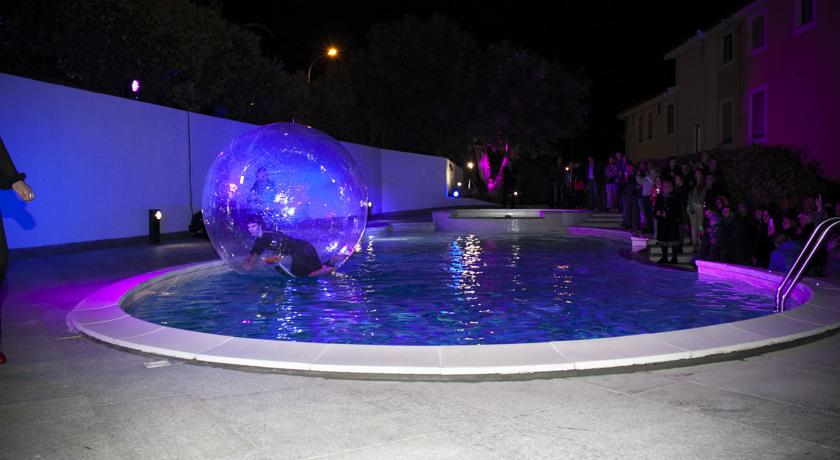 Spettacoli in Piscina in Hotel a Castelsardo