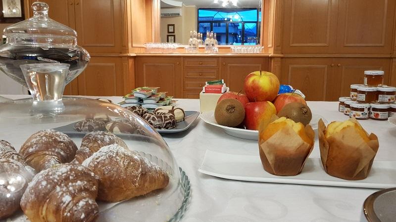 Colazione, buffet dolci, hotel 4 stelle in Cilento