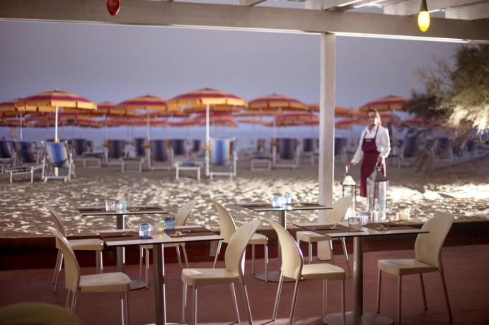 Hotel con Braceria sulla Spiaggia Cutro Calabriaù