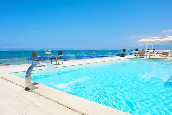 Hotel con piscina fra Trapani e Palermo