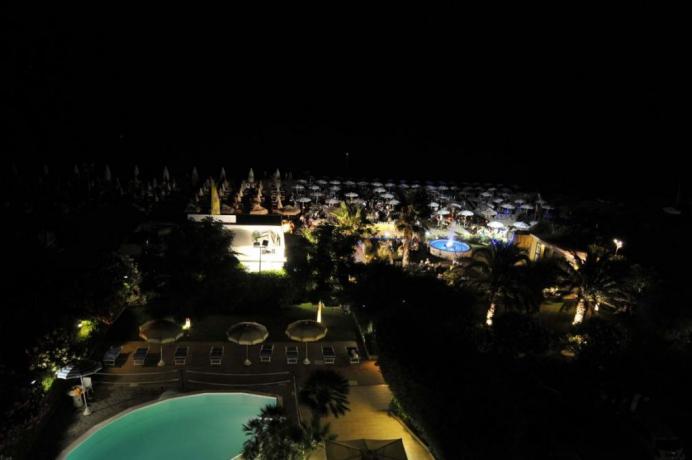 Hotel a Silvi con piscina, spiaggia, club notturno