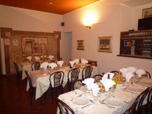 Ristorante eccellente 20-50-80-100 posti gruppi hotel3stelle Assisi