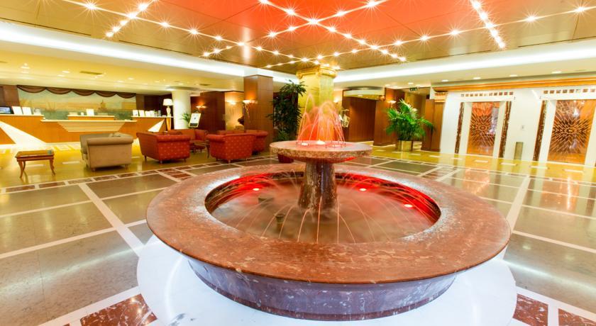 Sala Hall in Hotel 4 stelle a Pomezia