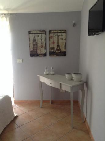 TV schermo piatto in camera casale vicino Todi