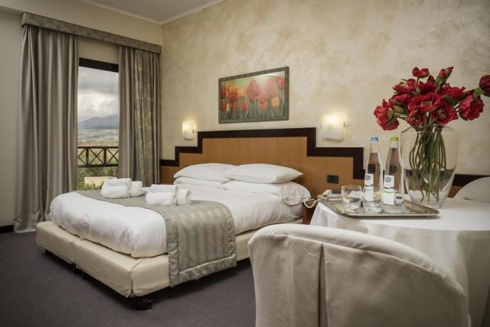 Servizio in camera in albergo elegante ad Avezzano