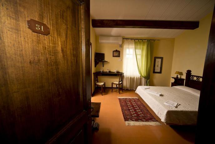 Contry House Camere romantiche a Bettona in Umbria