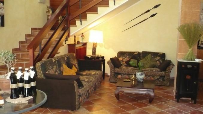 Casale alloggio salotto a Montecchio