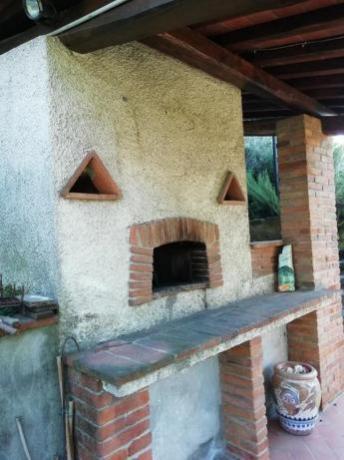 Villa-esclusiva 2-6 persone con forno a legna Pescia
