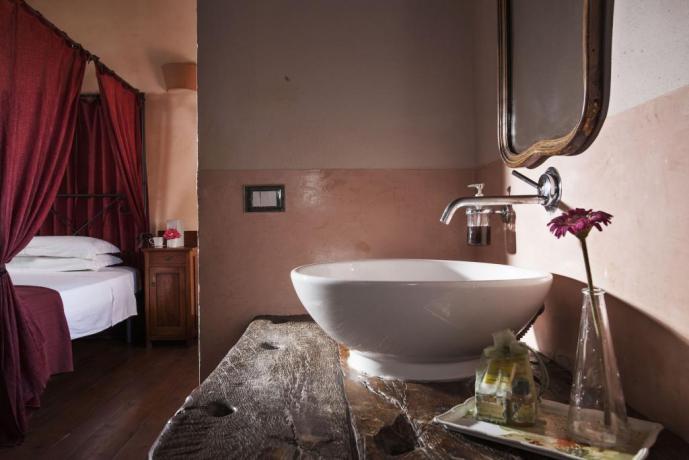 Bagno Privato in Suite con Vasca da bagno