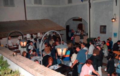 taverna di foligno con stand di primi piatti