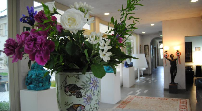 atrio d'ingresso hotel 4 stelle Ravenna villa