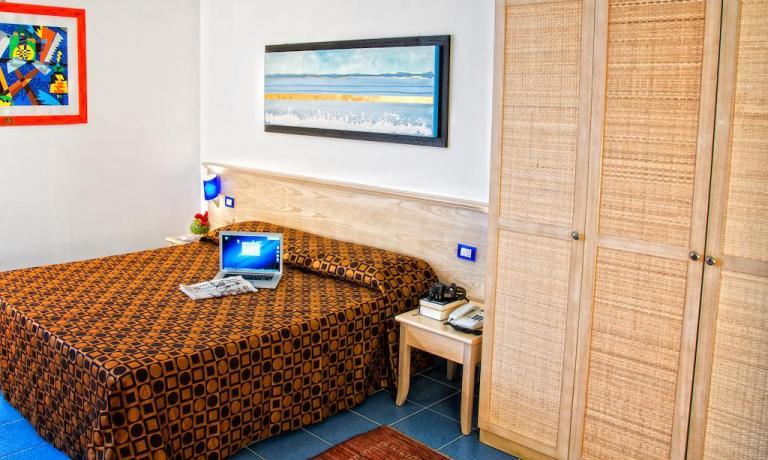 Camera matrimoniale Hotel 4 stelle