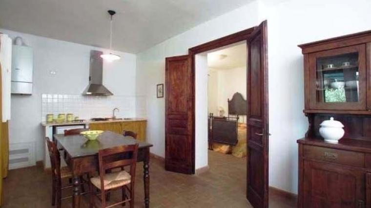 Agriturismo con ampio soggiorno dotato di cucina