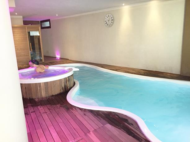 Suite con Camino e Vasca Idromassaggio - Hotel con piscina ...
