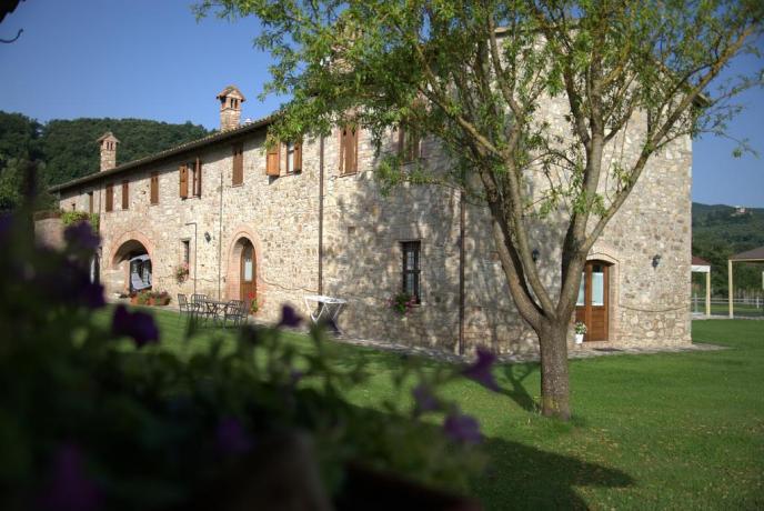 Casale in Umbria fino a 20 persone