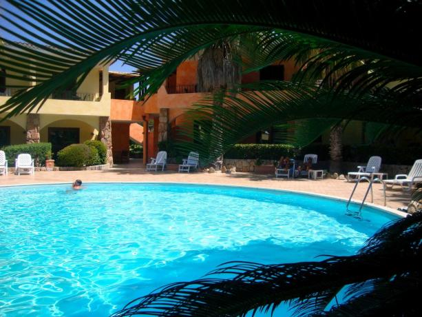 Residence con Appartamenti Vacanza e Piscina a Palau