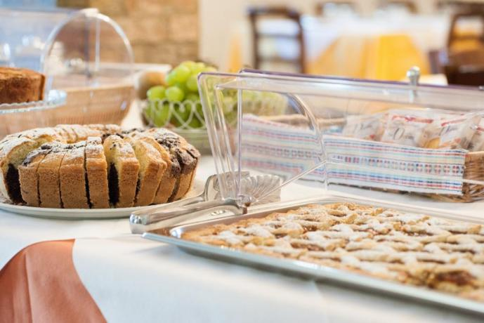 Colazione Buffet: dolce-salato fatto in casa