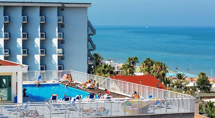 Hotel tre stelle con Piscina, Alba Adriatca