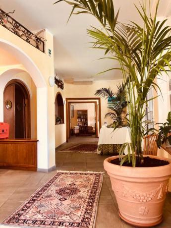 Deposito bagagli in hotel3stelle a San Bartolomeo