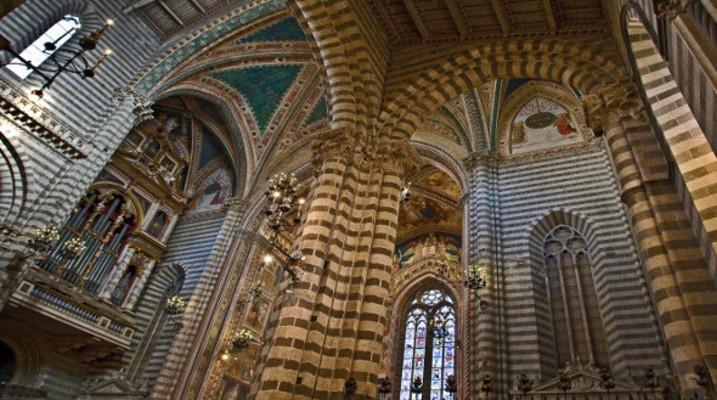 Interno Duomo Orvieto
