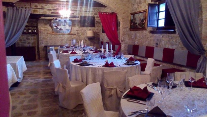 Agriturismo con sala ristorante a Valfabbrica