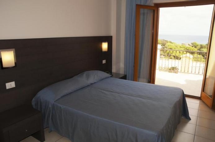 camera matrimoniale Hotel 4 stelle sul mare