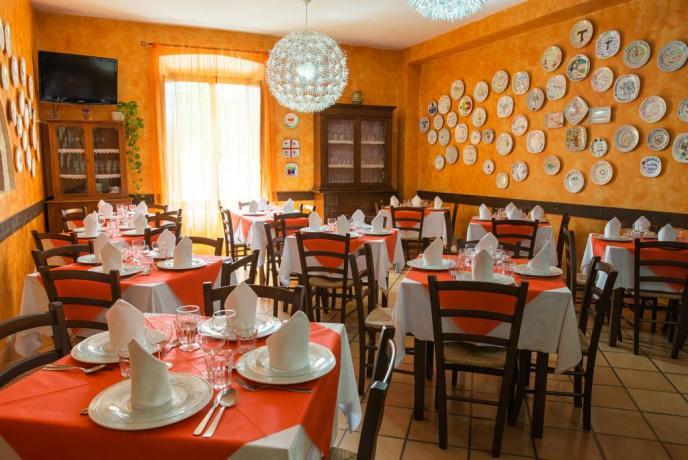 Gruppi a pranzo o cena ad Assisi