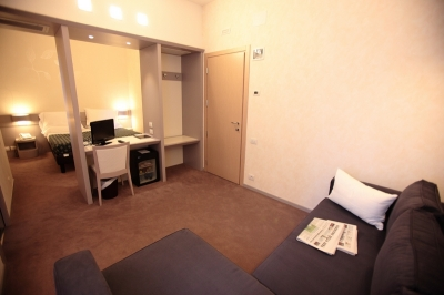 Albergo 3 stelle con letti a sommiers