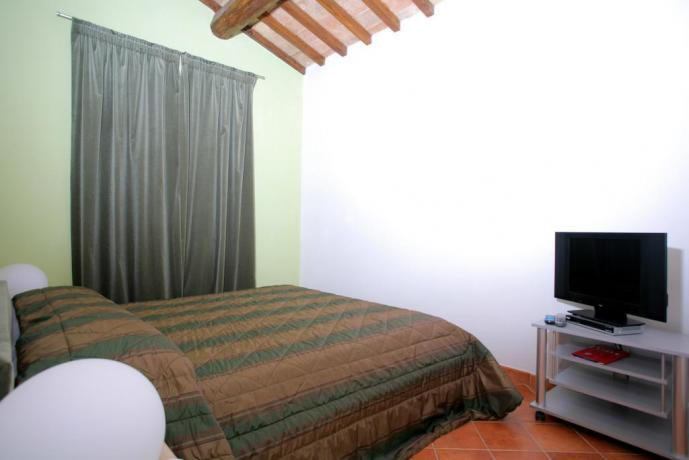 Double room in country house Vecciano
