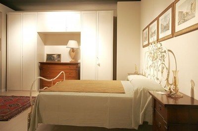 Camere da letto in umbria camere classiche e moderne in for Case con 2 camere matrimoniali