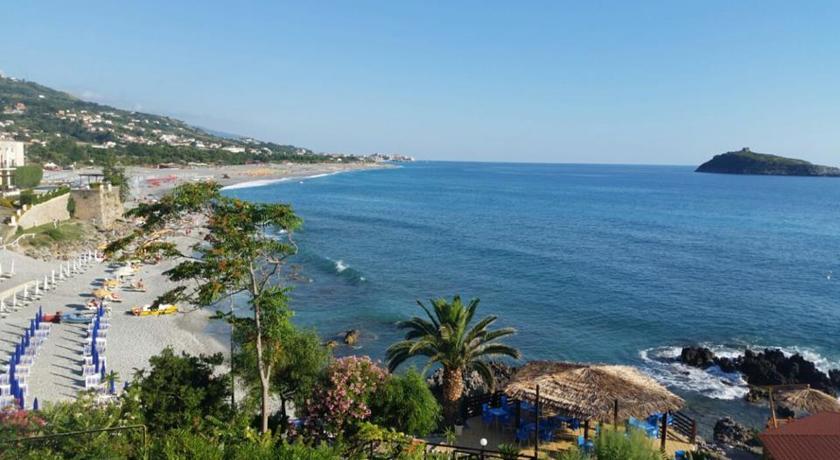 panorama dell'albergo a Cirella