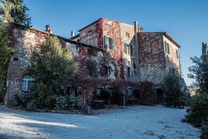Parcheggio privato in Villa di lusso ad Arezzo