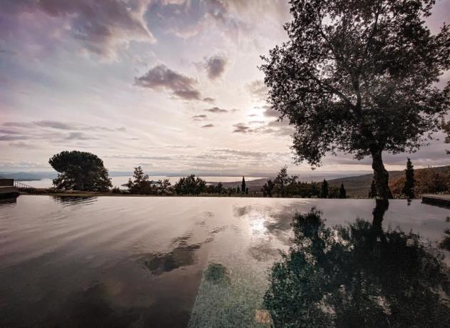 Lago Trasimeno villa vacanze con piscina panoramica