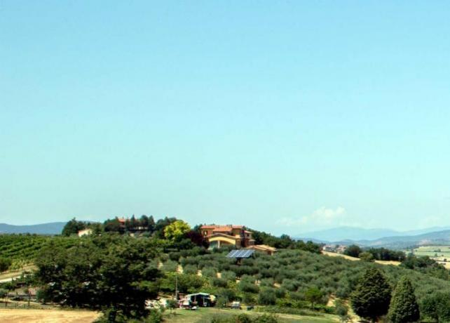 Casale panoramico per gruppi vicino Perugia
