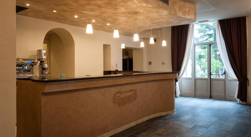 Reception hotel con Suite con Idromassaggio a Grosseto