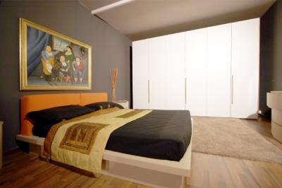 Camera con letto matrimoniale imbottito camere da letto classiche e moderne umbria bevagna - Camera matrimoniale a ponte angolare ...