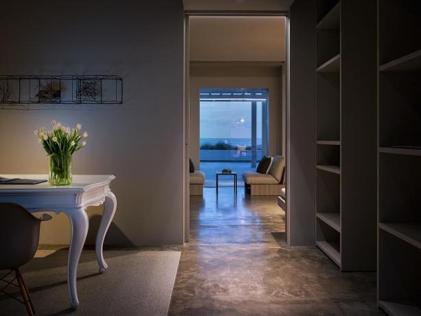 Suite master con soggiorno terrazza vista mare Latina