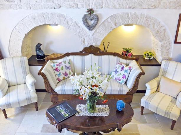 Camere con salotto elegante B&B in Puglia