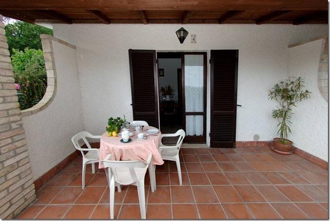 Casale-Agrituristico appartamento-vacanza bilocale con veranda Magione