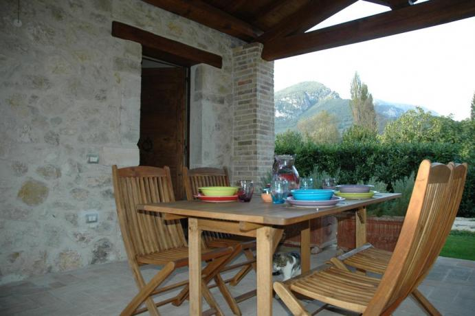 Area ristoro all'aperto Country House a Ferentillo