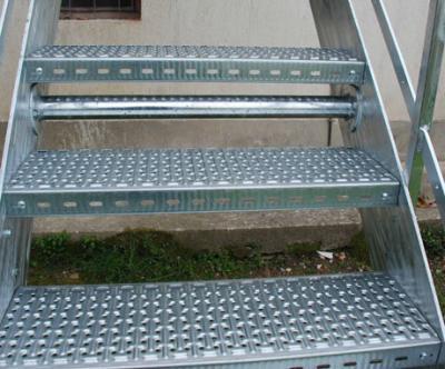 gradini zincati per esterno antiscivolo antitacco antipanico