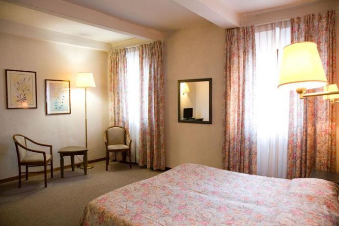 Ampie ed eleganti camere per famiglie