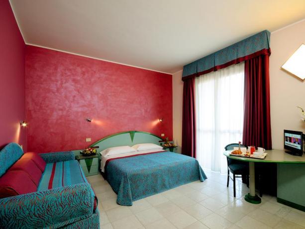 Camera Matrimoniale con bagno privato a Montesilvano