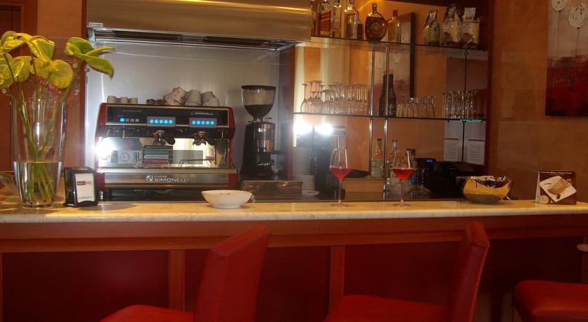 Bar per caffè o aperitivi